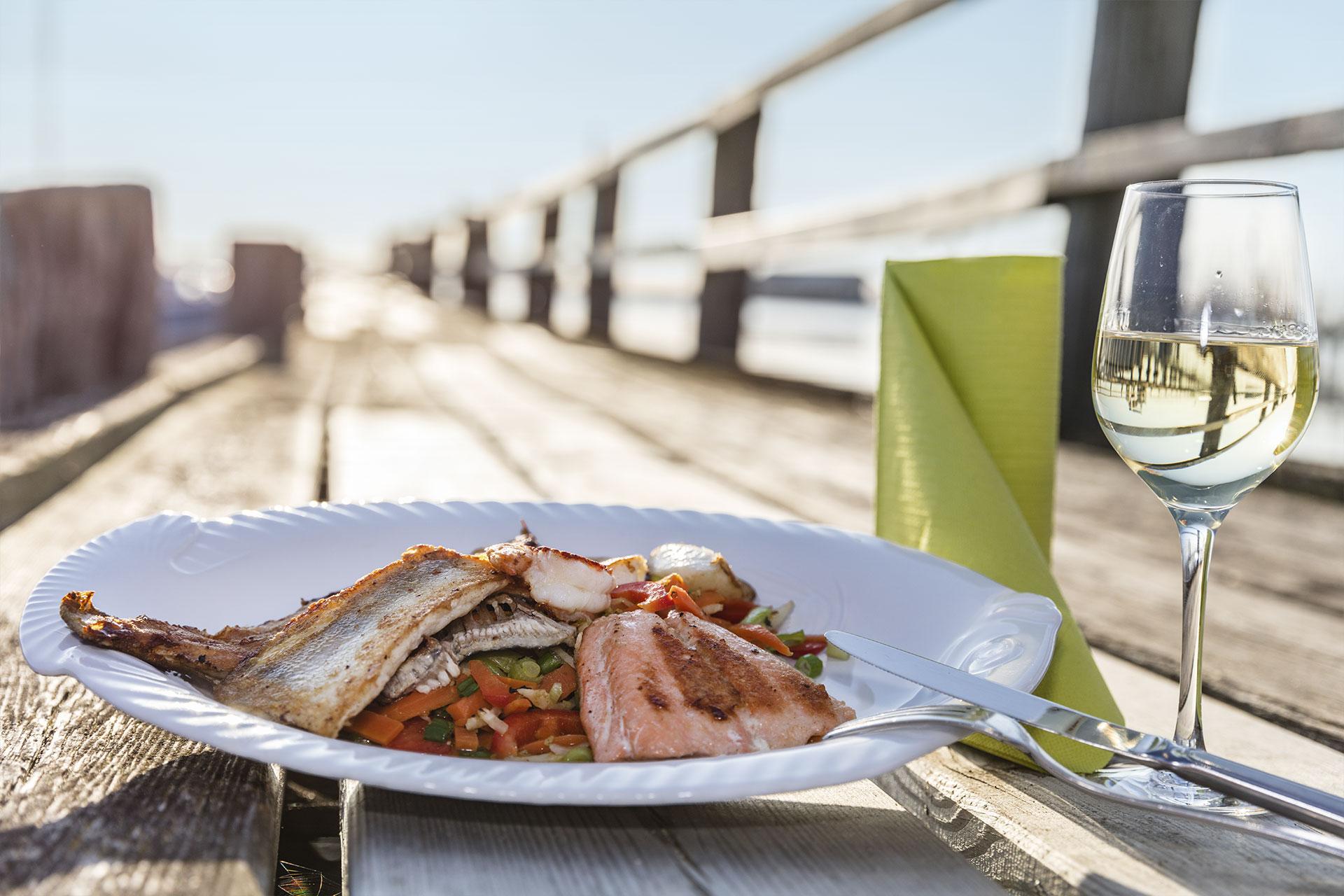 strandhuus-wackerballig-gericht-fisch